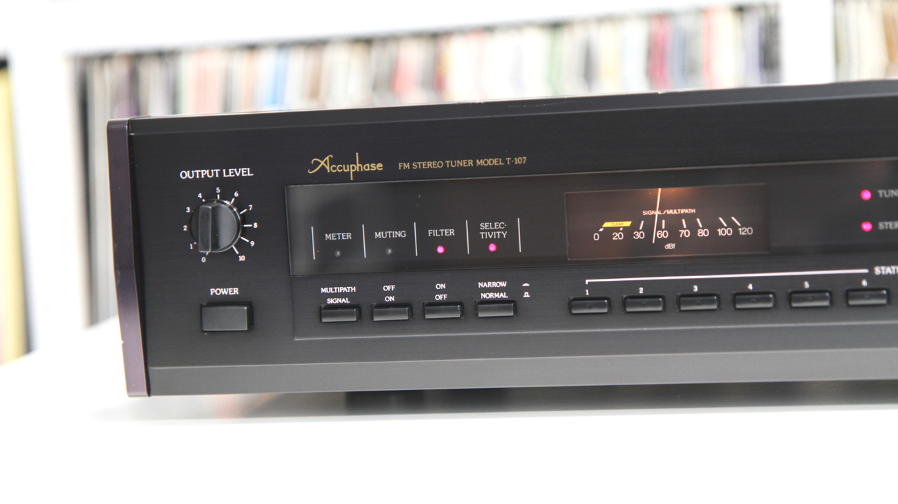 ACCUPHASE T-107
